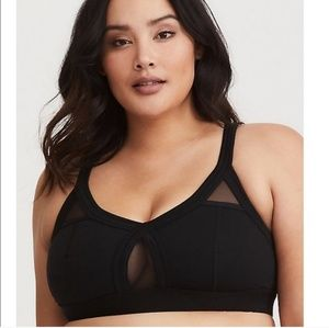 Torrid active black & mesh sports bra nwot